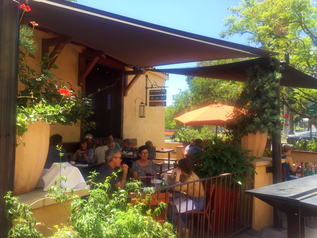 The Luggage Room Pizzeria In Pasadena
