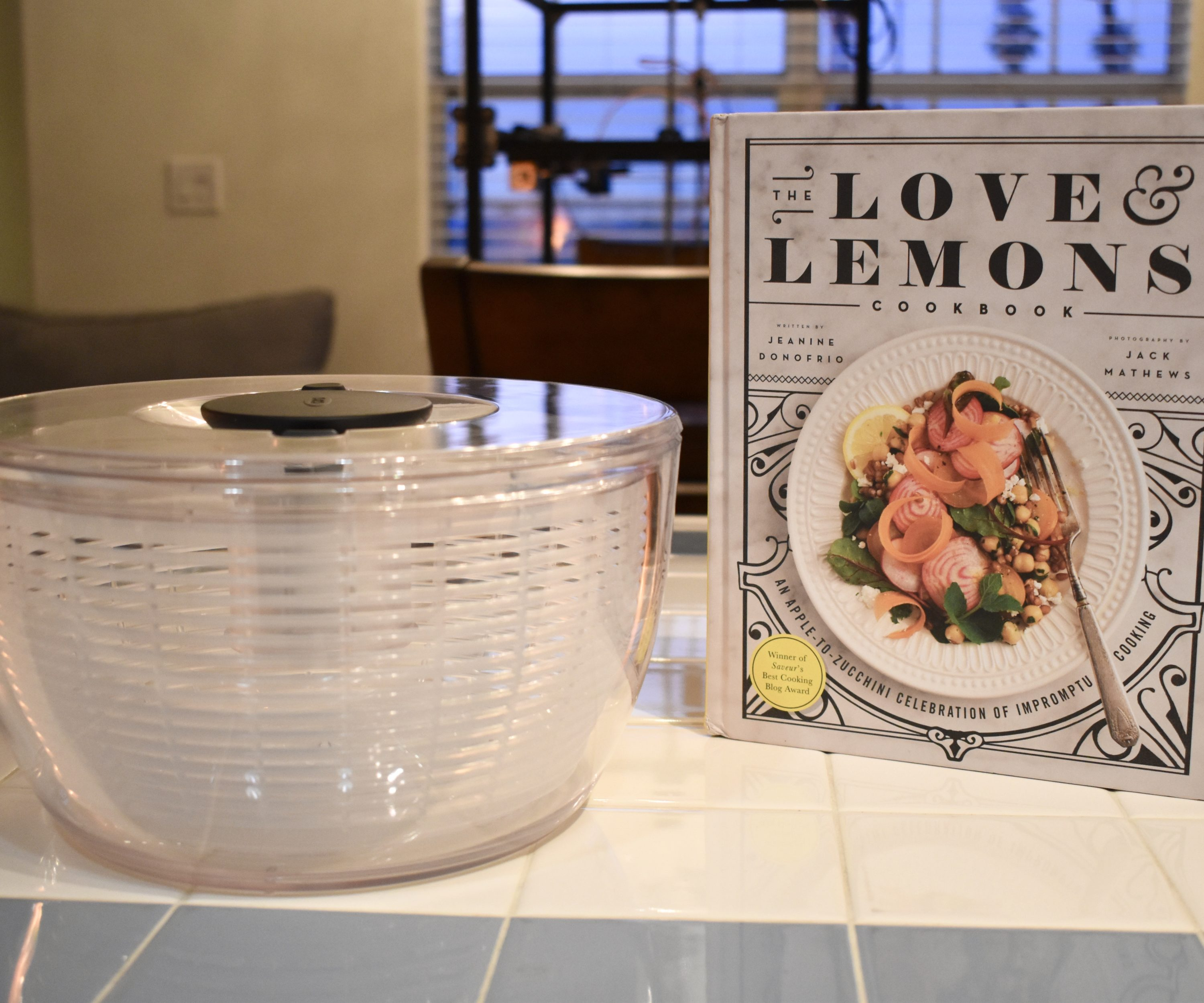 Cookbook, salad spinner
